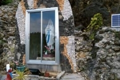The-grotto-of-Our-Lady-of-Lourdes
