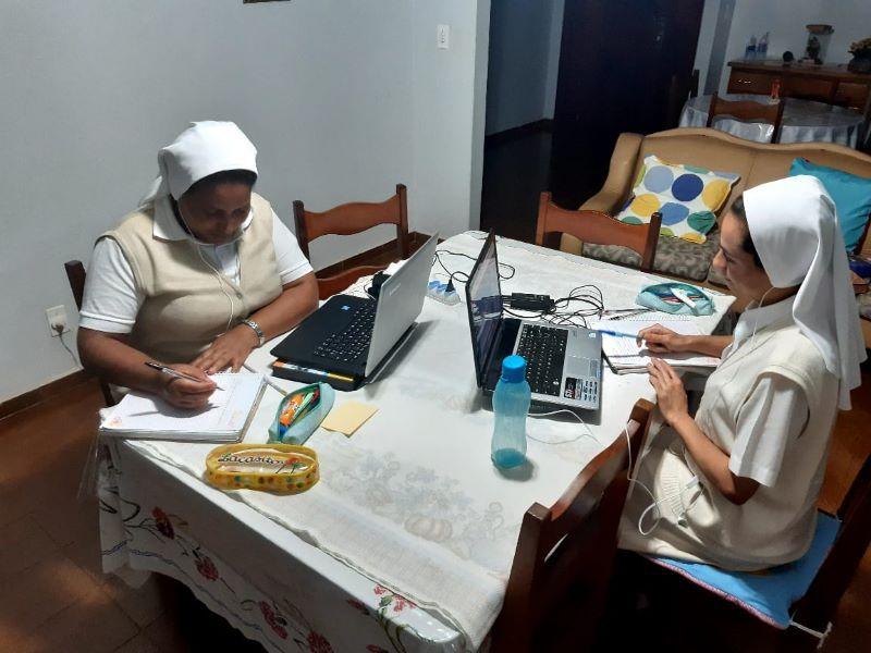 sao-jose-estudo-das-jovens-irmas-online
